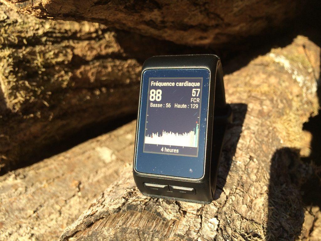 Test Garmin Vivoactive HR : montre cardio GPS à tout faire, voire Fenix 3 HR pas cher