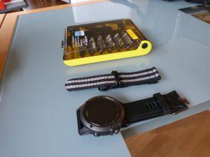 Matériel changer bracelet Fenix 3
