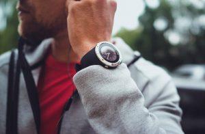 Spartan Trainer Wrist HR noir lunette acier