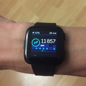 Fitbit Versa tracker activité
