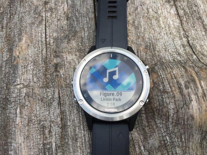 Fenix 5 Plus musique