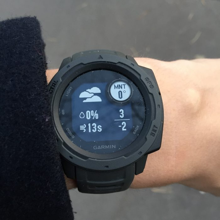 Garmin instinct montre connectée